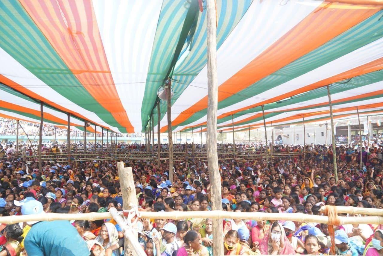 ಬಂಕುರಾದಲ್ಲಿ ನಡೆದ ಚುನಾವಣಾ ಪ್ರಚಾರದಲ್ಲಿ ಟಿಎಂಸಿ ಮುಖ್ಯಸ್ಥೆ ಮಮತಾ ಬ್ಯಾನರ್ಜಿ