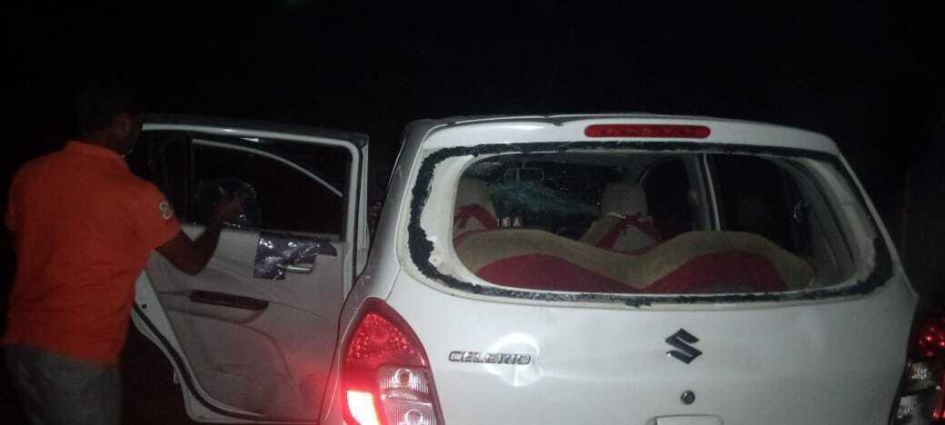 ബംഗാള് ബിജെപി അധ്യക്ഷന് ദിലീപ് ഘോഷിന്റെ വാഹനവ്യൂഹത്തിന് നേരെ ആക്രമണം, ചിത്രങ്ങള്