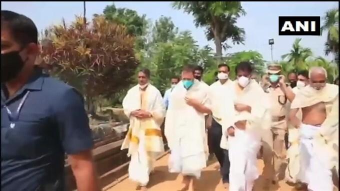 Congress Leader Rahul Gandhi Visits Thirunelli Temple In Wayanad