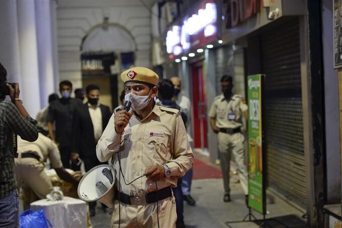 Night Curfew Imposed In New Delhi Due To COVID-19 Spread