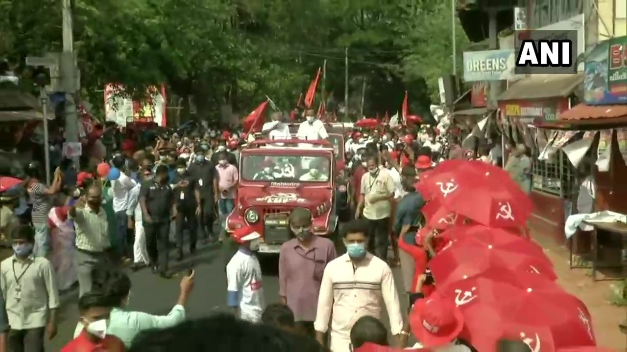 Kerala CM Pinarayi Vijayan During A Roadshow In Kannur