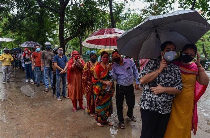 ভারত জুড়ে চলছে কোভিড -১৯  ভ্যাকসিন দেওয়ার তৃতীয় পর্যায়, দেখুন এক নজরে