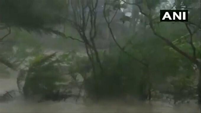 బెంగాల్లో బీభత్సం సృష్టించిన యాస్ తుపాను