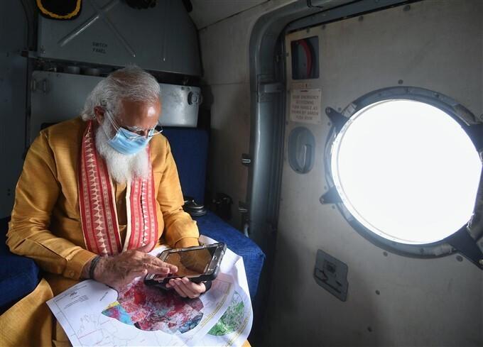യാസ് ചുഴലിക്കാറ്റ് ദുരിതം വിതച്ച ഒഡീഷ, ബംഗാള് സംസ്ഥാനങ്ങളില് സന്ദര്ശനം നടത്തി പ്രധാനമന്ത്രി, ചിത്രങ്ങള് കാണാം
