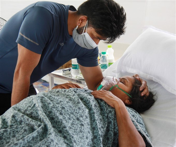 Covid-19 2nd Wave: COVID-19 Patient Receives Free Oxygen By Hemkunt Foundation In Gurugram
