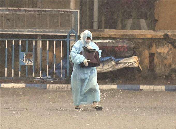 Heavy Rainfall In Kolkata