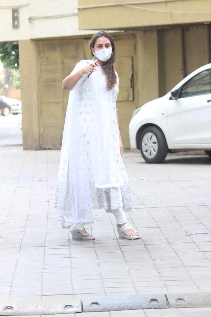 പുതിയ ലുക്കില് നടി ഹുമാ ഖുറേഷി; വൈറലായ ഏറ്റവും പുതിയ ചിത്രങ്ങള് കാണാം