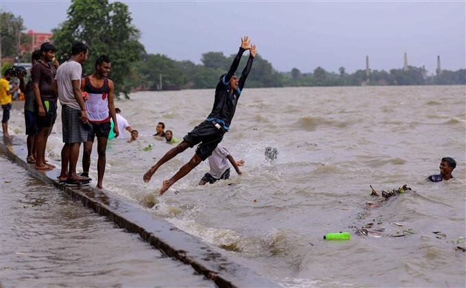 Cyclone Yaas: Street's Flooded During Landfall Of Cyclone 'Yaas', In West Benagl