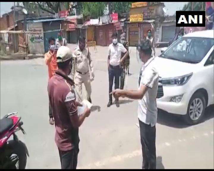 Chhattisgarh DC Assaults Violators For Allegedly Violating Lockdown Restrictions