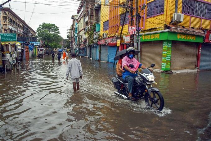 Cyclone Yaas: Heavy Rain Lashes In Bihar