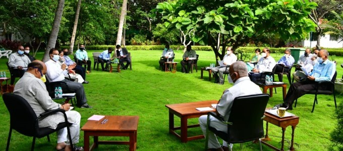 KA CM BS Yediyurappa Meets Oxygen Manufacturers And Suppliers