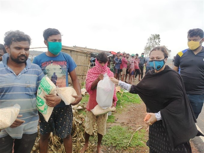 MP Dibyendu Adhikari Wife Distribute Relief Materials To Cyclone Yaas Affected People In WB
