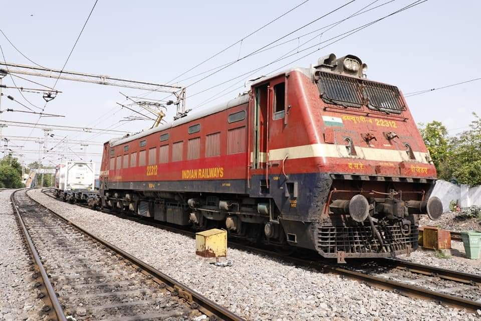 Oxygen Express Arrives In Hyderabad With 96.4 MT Of LMO In 5 Tankers From Rourkela