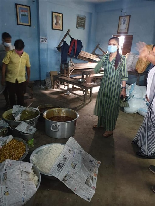 TMC MP Mimi Chakraborty Visits Damaged Area Due To Cyclone Yaas In WB