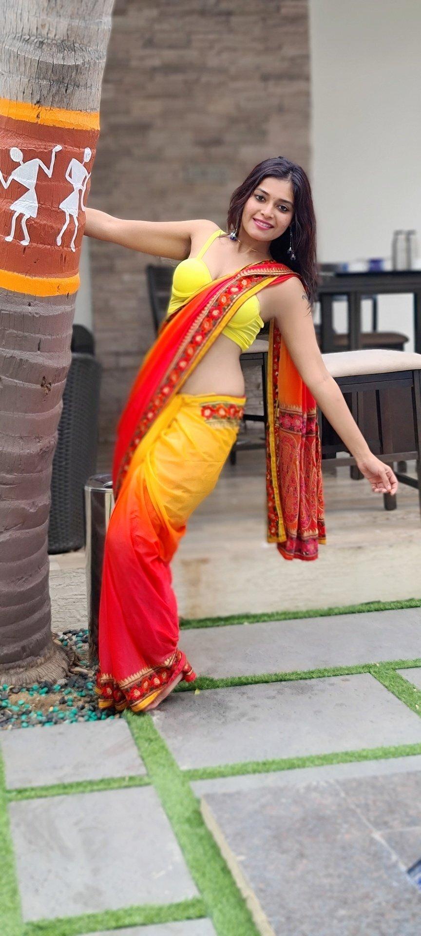 സാരിയിൽ സുന്ദരിയായി ദർഷ ഗുപ്ത- ചിത്രങ്ങൾ കാണാം