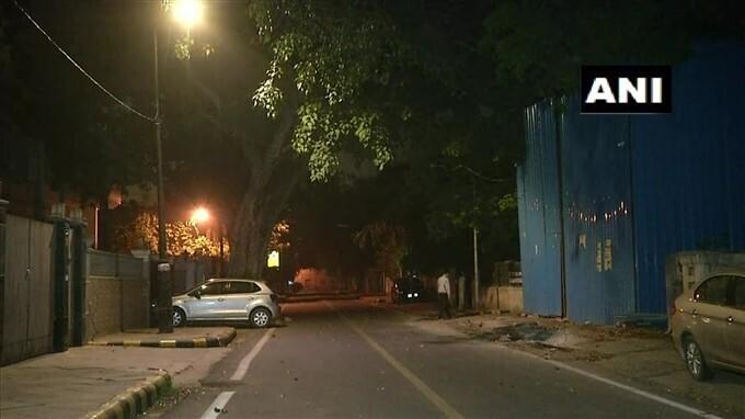 ఢిల్లీలో భారీ వర్షం... వేడి నుంచి ఊరట పొందిన జనం