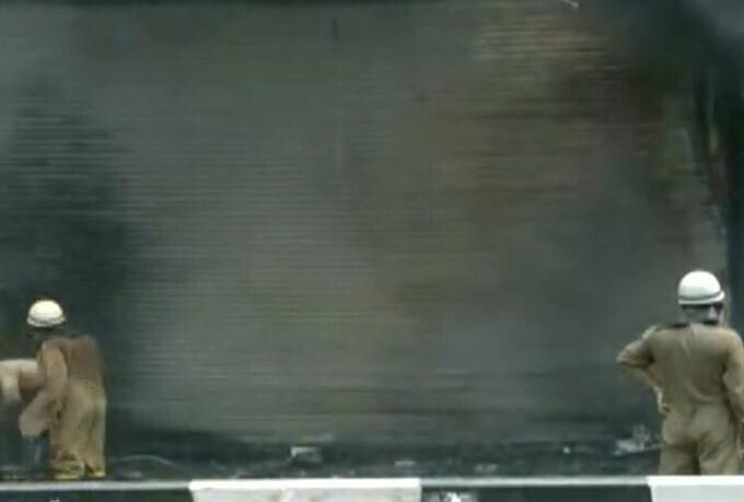 দিল্লিতে লাজপত মার্কেটে কাপড়ের দোকানে বিধ্বংসী আগুন