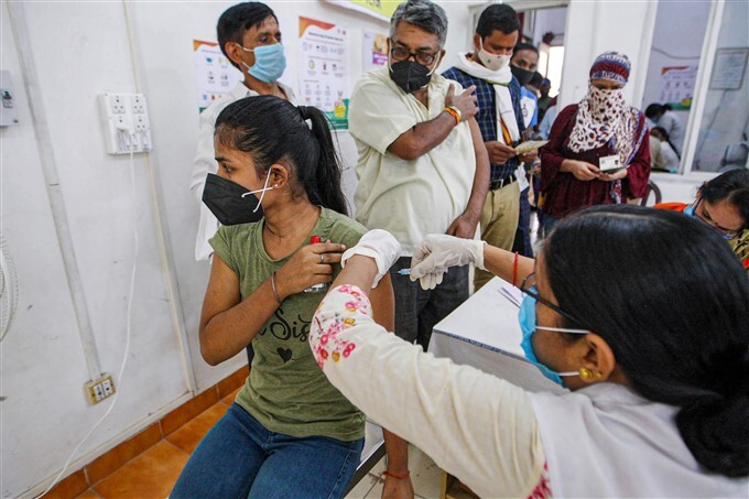 Covid-19 2nd Wave: Citizens Receive COVID-19 Vaccine During Third Phase Of Vaccination Across Indian, 02/06/2021