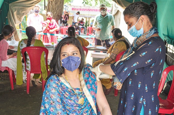 Covid-19 2nd Wave: Citizens Receive COVID-19 Vaccine During Third Phase Of Vaccination Across Indian, 08/06/2021