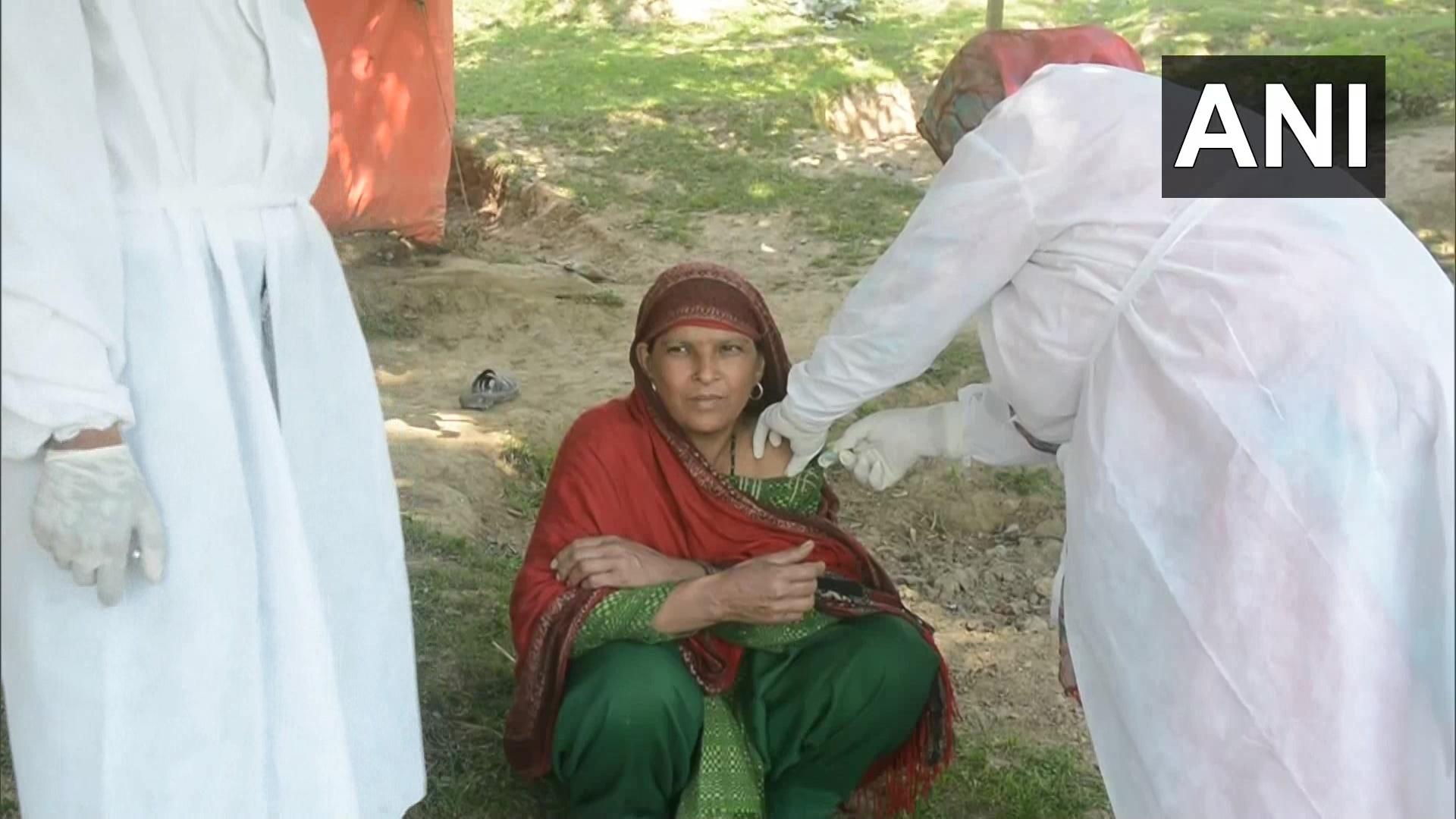 Anantnag Dist Administration Door-to-door Anti-covid Vaccination Drive In Nomadic Communities