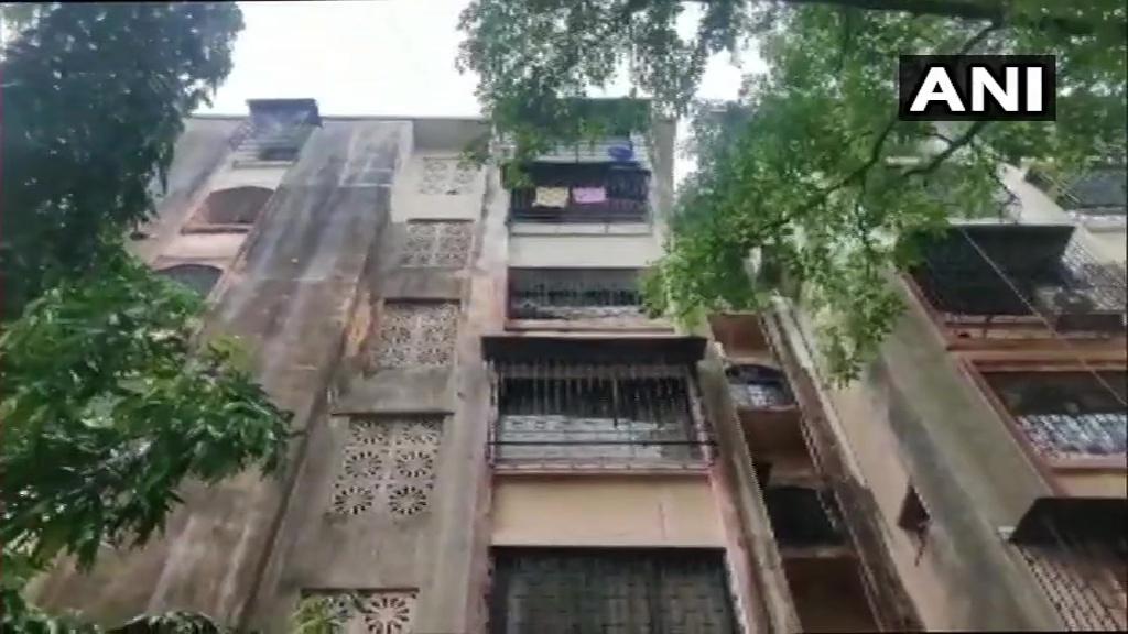 അംബാനി ബോംബ് ഭീഷണിക്കേസില് എന്കൗണ്ടര് വിദഗ്ധന് പ്രദീപ് ശര്മ അറസ്റ്റില്- ചിത്രങ്ങള്