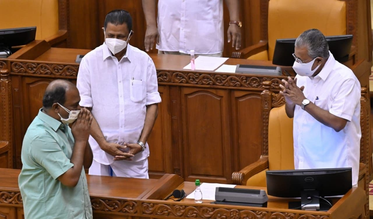 കൊവിഡ് പ്രതിരോധം, സാമ്പത്തിക ഉത്തേജനം... കന്നി ബജറ്റുമായി കെഎന് ബാലഗോപാല്: ചിത്രങ്ങള് കാണാം