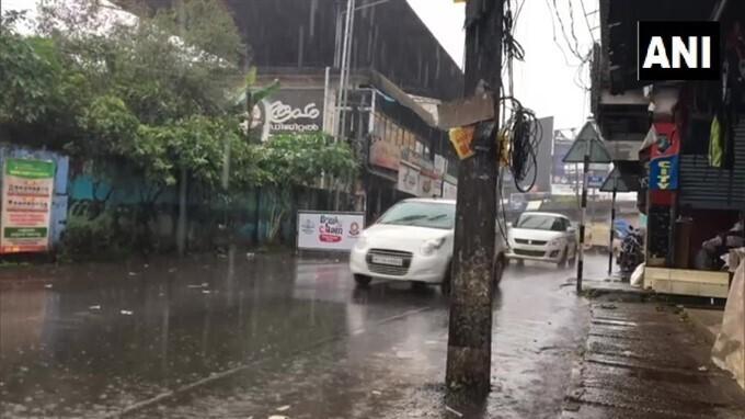 PHOTOS: केरल में मानसून ने दी दस्तक, कई इलाकों में हुई झमाझम बारिश