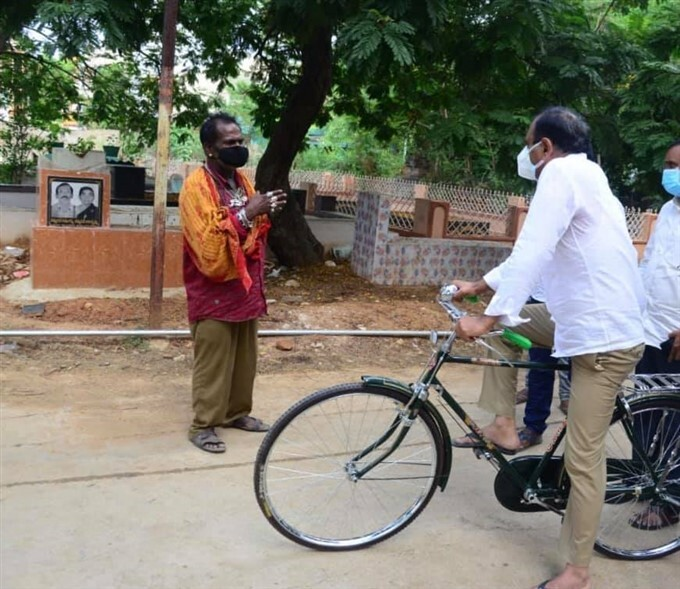 Tirupati MLA Bhumana Review The Covid Situation On A Bicycle