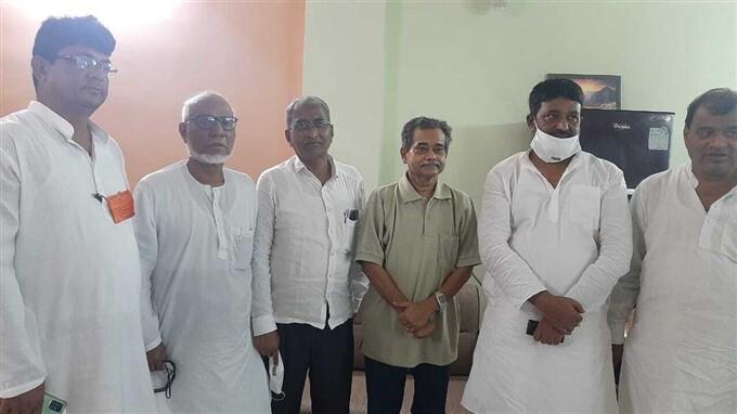 TMC Leaders Meet EX Congress MP And Pranab Mukherjee's Son Abhijit Mukherjee