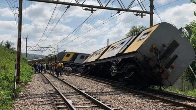 Two Trains Collide In Pakistan