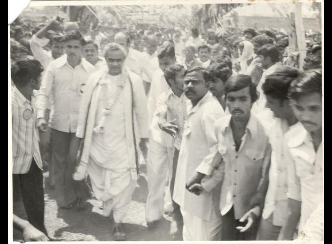 യെദ്യൂരപ്പയുടെ രാഷ്ട്രീയ ജീവിതം, ചിത്രങ്ങളിലൂടെ