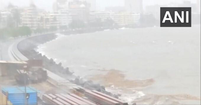 Heavy Rain Lashes In Mumbai, 21/07/2021