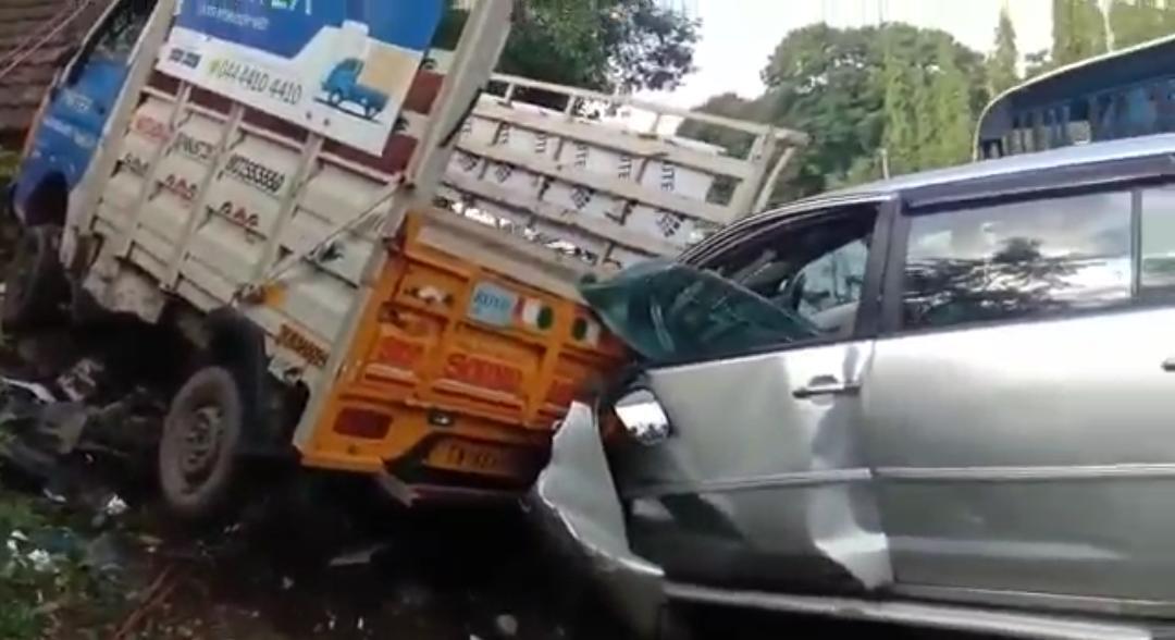100 இல் சென்றதால் 108 வந்தது.. அதிவேக கார் விபத்து.. சென்னையில் பரபரப்பு!