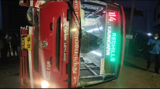 8 Passengers Injured After A Bus Overturned In Chennai