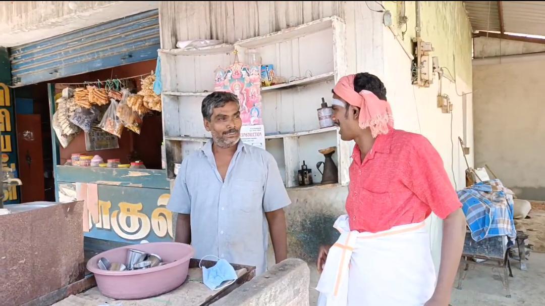 வித்யாசமான விழிப்புணர்வா இருக்கேப்பா...ஆலங்குடியை அசத்திய சமூக ஆர்வலர்!