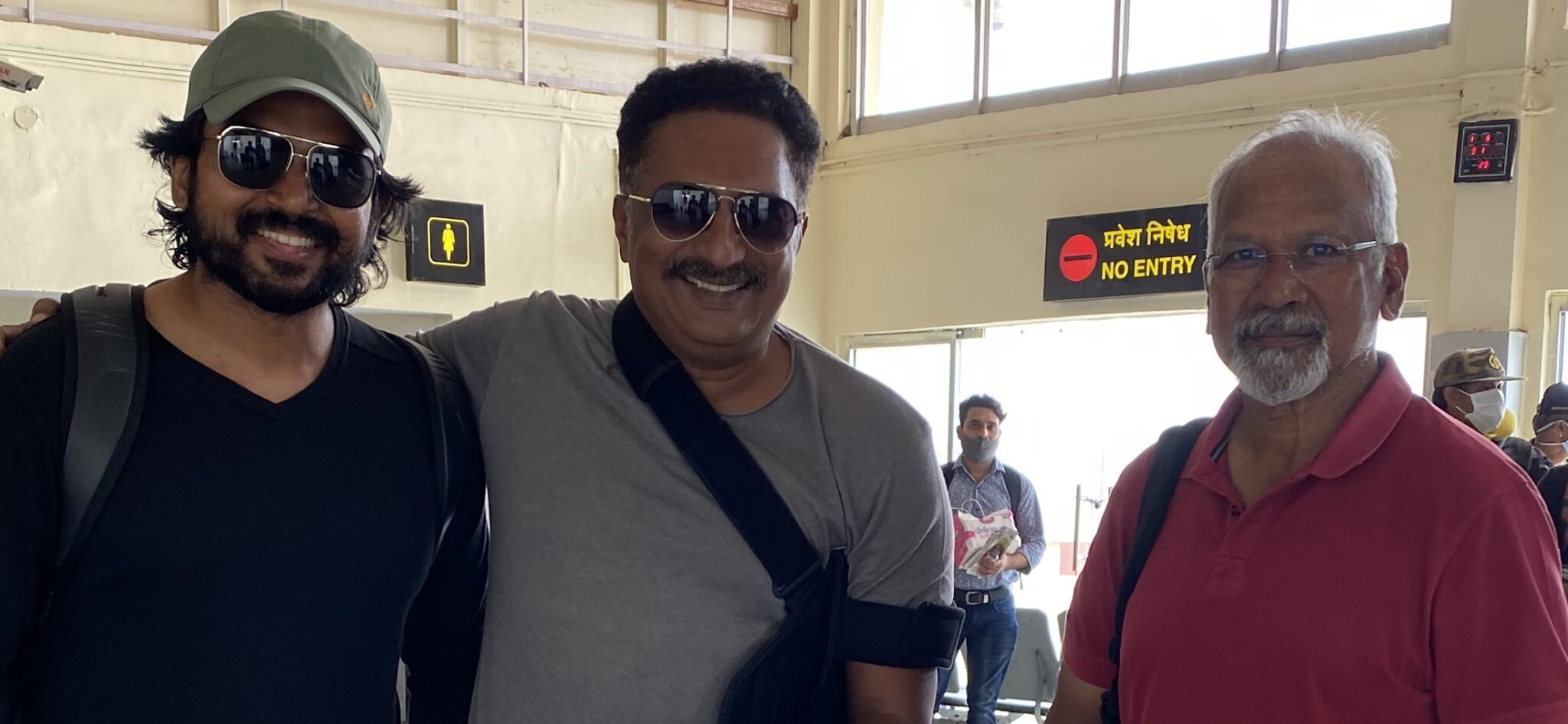 மத்திய பிரதேசத்திற்கு பறந்தது பொன்னியின் செல்வன் டீம்....பிரகாஷ் ராஜின் ட்டிவிட் செம வைரல்!