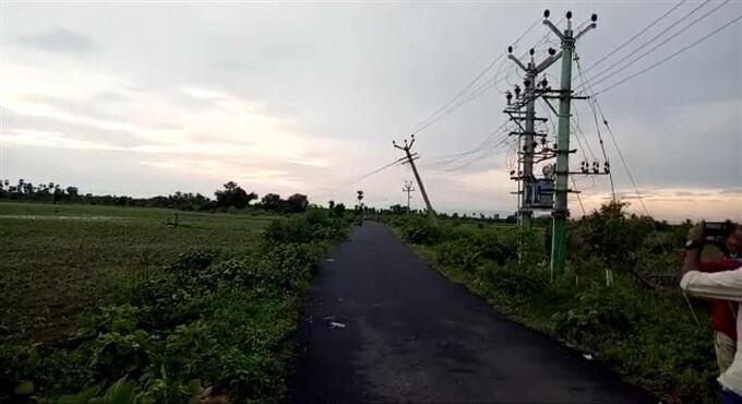 ಚಿತ್ರಗಳು: ತಮಿಳುನಾಡಿನ ಕಲಕುರುಚಿಯಲ್ಲಿ ಭಾರೀ ಮಳೆ: ಅಪಾರ ಹಾನಿ, ನಷ್ಟ