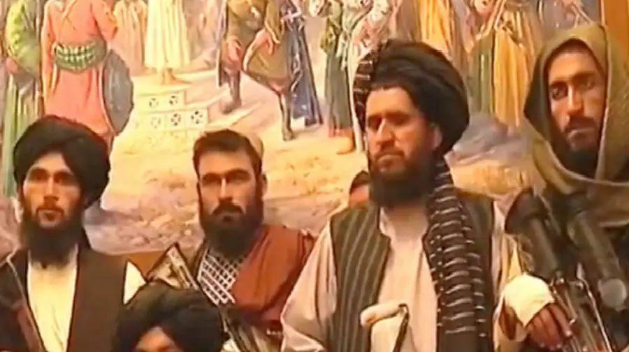 Afghanistan Row: तालिबान ने किया राष्ट्रपति भवन पर कब्जा, फहराया अपना झंडा