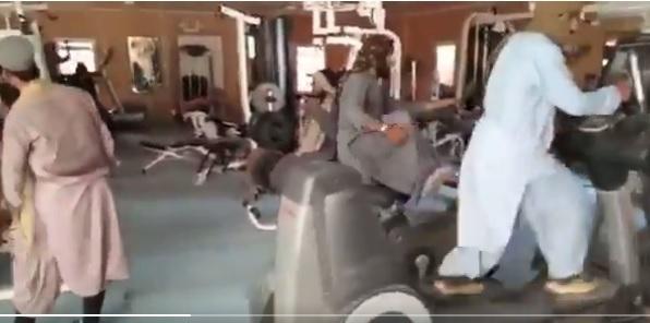 Afghanistan Row: कितने जाहिल है तालिबान, तस्वीरों में इनकी हरकतों से देखिए
