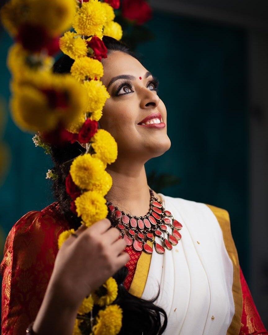 കസവുസാരിയിൽ അതീവ സുന്ദരിയായി രാധികയുടെ ഓണ ചിത്രങ്ങൾ, വൈറലായി ഫോട്ടോഷൂട്ട്