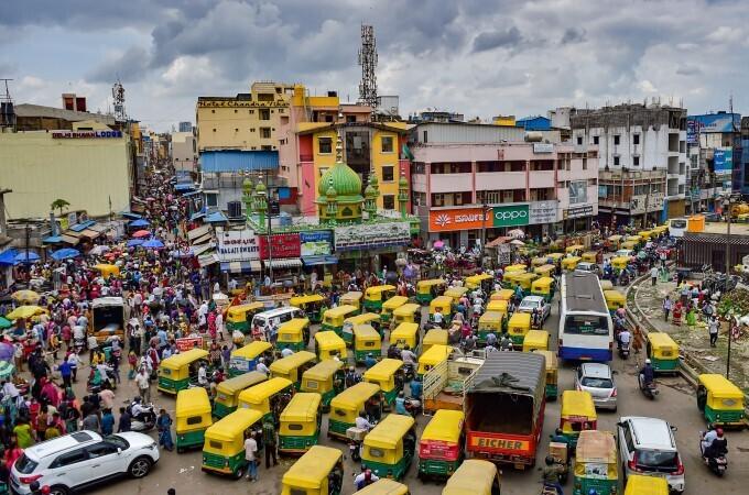Crowded At City Market Ahead Of Varamahalakshmi Festival In Bengaluru