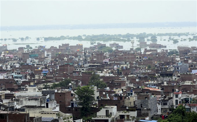 Heavy Rainfall Causes Flooding In Uttar Pradesh