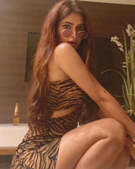 'ये हैं मोहब्बतें' फेम एक्ट्रेस करिश्मा शर्मा हैं बेहद Hot, वायरल हुईं Bold तस्वीरें