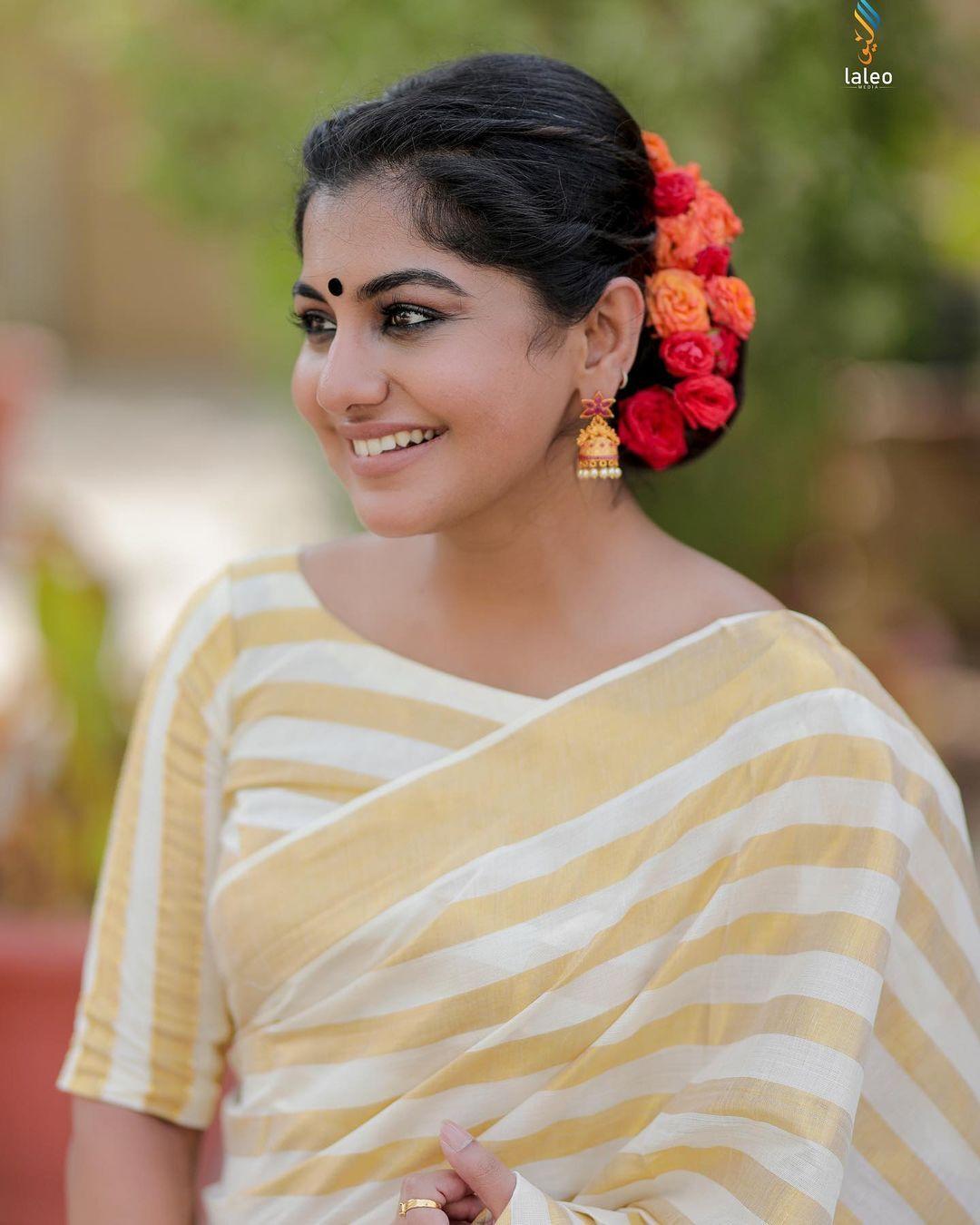 കിടിലന് ലുക്കില് ഓണ ചിത്രങ്ങളുമായി മീര നന്ദന്: ഏറ്റവും പുതിയ ചിത്രങ്ങള് വൈറല്