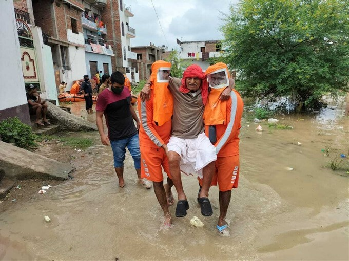 NDRF Shift People To Safer Place After Heavy Rainfall In Uttar Pradesh