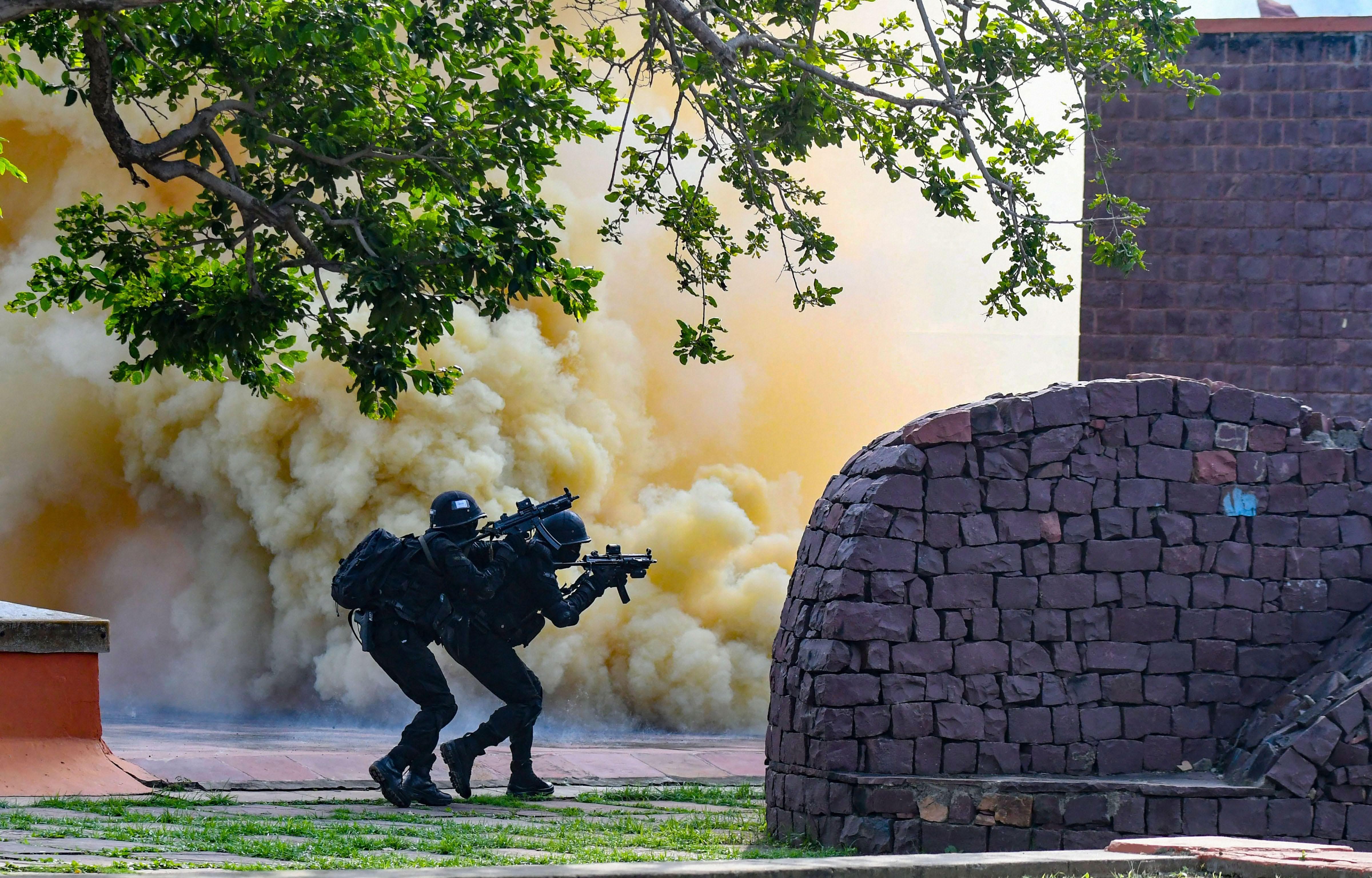 आतंकियों को मुंहतोड़ जवाब देने के लिए तैयार NSG कमांडों, तस्वीरों को देखकर आपका रोम - रोम कह उठेगा जय हिंद