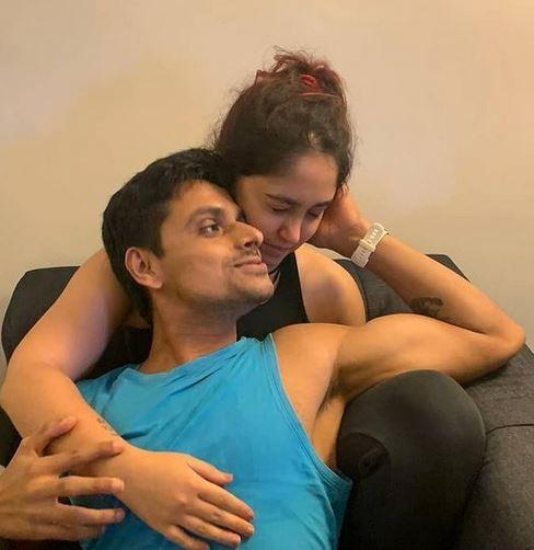 आमिर खान की बटी इरा खान ने शेयर की ब्वॉयफ्रेंड संग रोमांटिक Pics, प्यार का खुलेआम इजहार