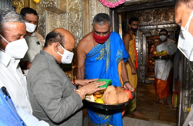 Sawan Somvar 2021: Karnataka Political Leaders Visits Temples