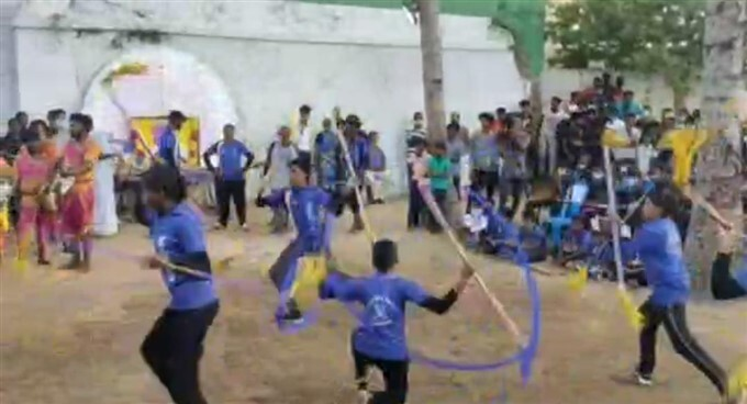 Students Created Corona Awareness Among Public By An Traditional Art Show