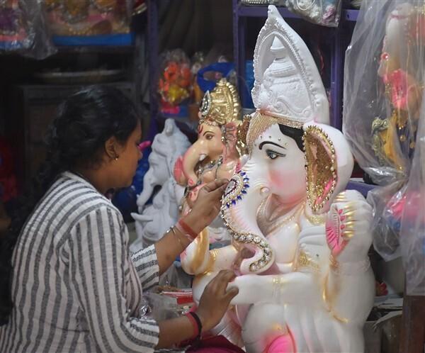 ಭಾರತದಲ್ಲಿ ಗಣೇಶ ಚತುರ್ಥಿ ಹಬ್ಬದ ಸಂಭ್ರಮಕ್ಕೆ ಚಿತ್ರಸಾಕ್ಷ್ಯ